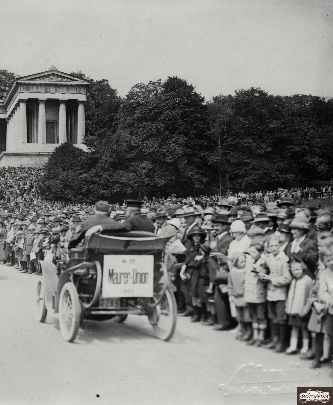 Maurer Union mit Friktionstrieb, 1900 vor staunendem Publikum