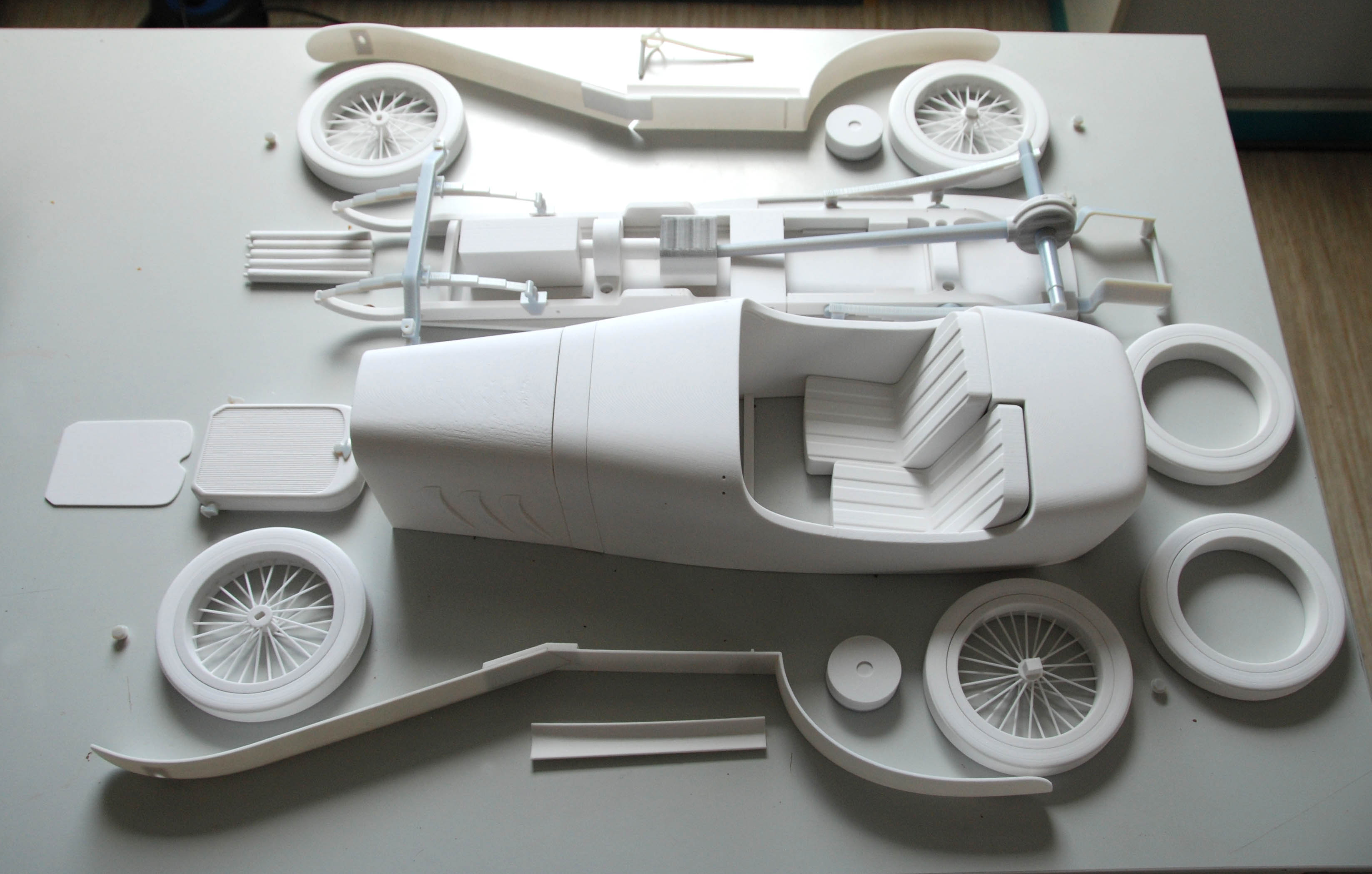 Bauteile aus dem 3-D Drucker D. Neumann